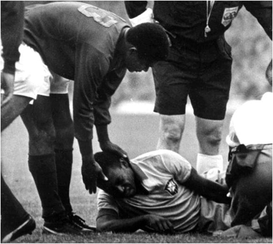 Pele's injury and his comeback